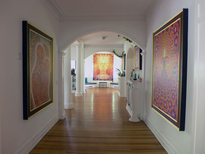 Rent Cosm Chapel Of Sacred Mirrors
